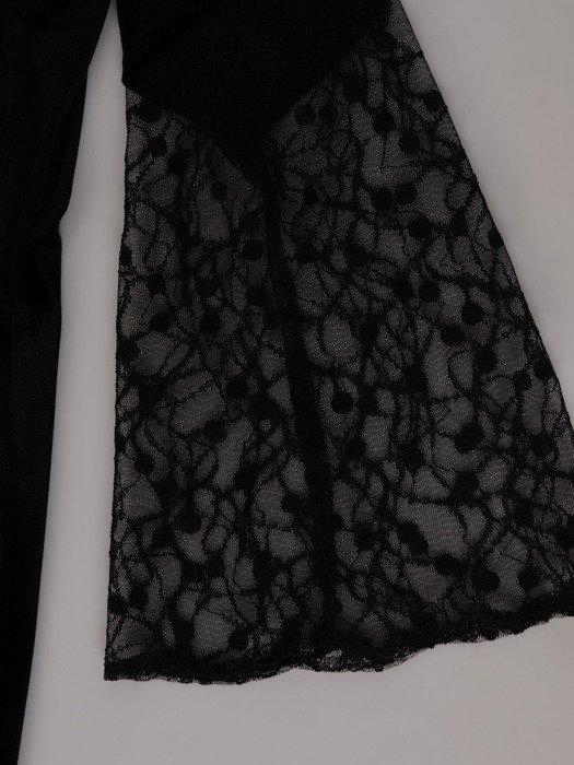 Aksamitna sukienka z szerokimi, koronkowymi rękawami 18960