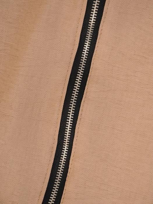 Beżowy komplet dresowy z zapinaną bluzą 29445