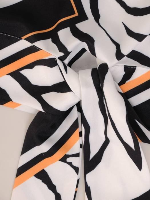Biała bluzka z ozdobnym wiązaniem 29616