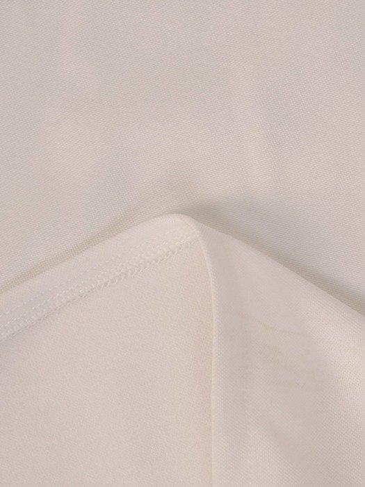 Biała sukienka z dzianiny, kreacja z kopertowym dekoltem 22608
