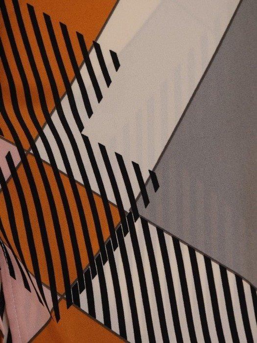 Bluzka z ciekawym geometrycznym nadrukiem 24591