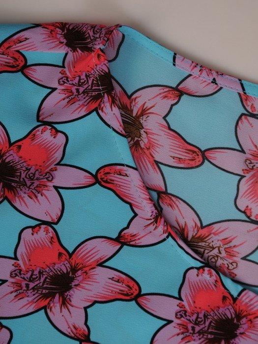 Bluzka z modnymi rękawami Delfina II.