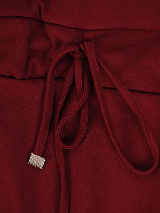 Bordowa sukienka z ozdobnym ściągaczem, modna kreacja z dzianiny 22661