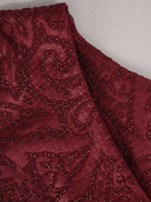 Bordowa sukienka ze złotymi przeszyciami 19211