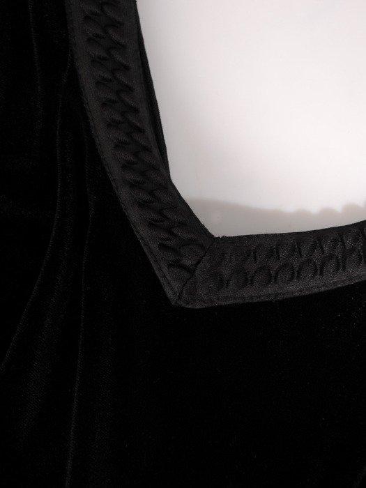 Czarna kreacja wieczorowa z rozkloszowaną, koronkową spódnicą 18878