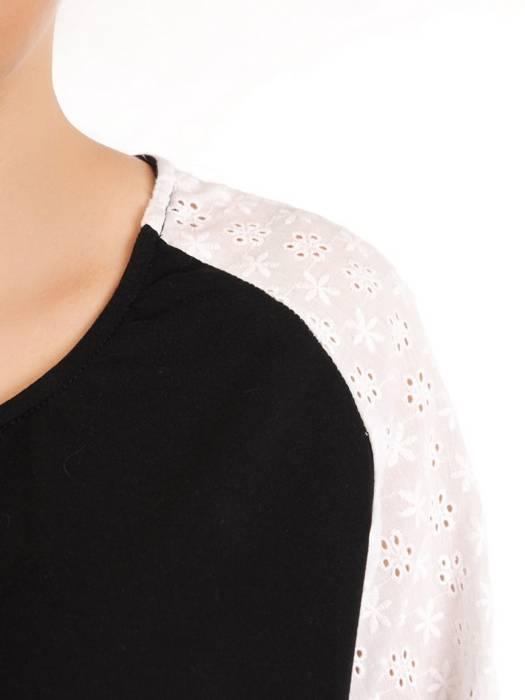 Czarny dres damski z koronkowymi wstawkami 29631