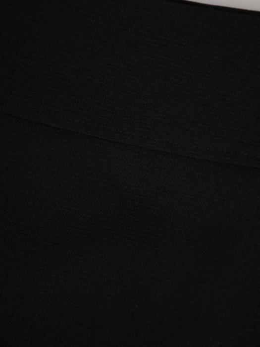 Czarny komplet z ozdobnymi, metalowymi suwakami 22138.