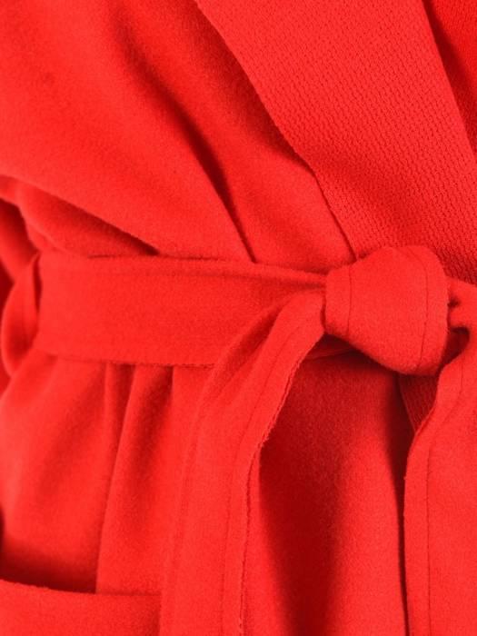 Czerwony płaszcz damski wiązany w pasie 29027