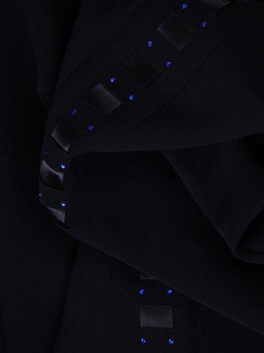 Długa spódnica ozdobiona tasiemką 15336.