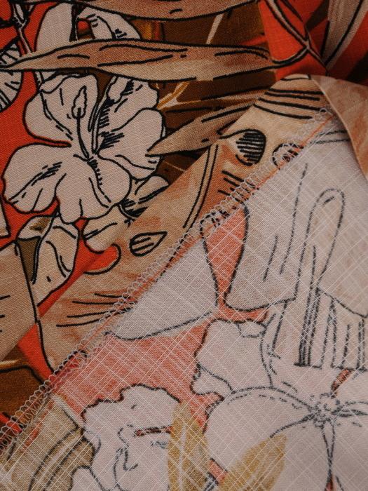 Długa sukienka bez rękawów, modna kreacja w kwiatowy deseń 21804