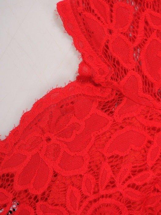Długa sukienka z koronkowym topem, kreacja z modnym dekoltem 22910