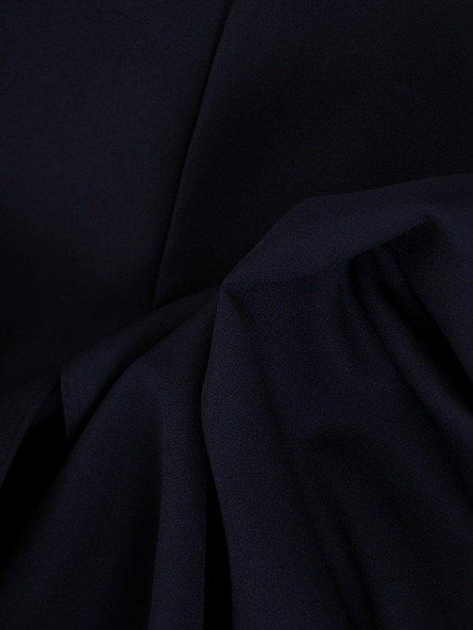 Długa sukienka z koronkowym topem, kreacja z modnym dekoltem 22921
