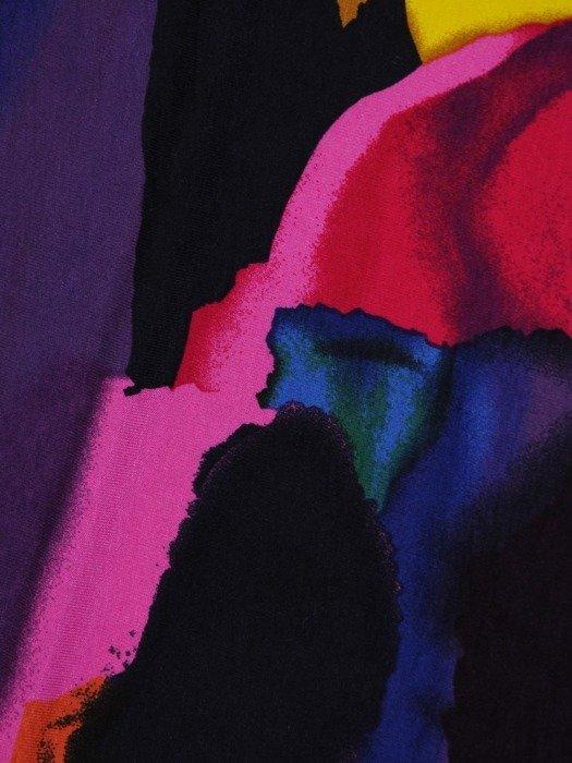 Dzianinowa sukienka w nasyconych kolorach 25417