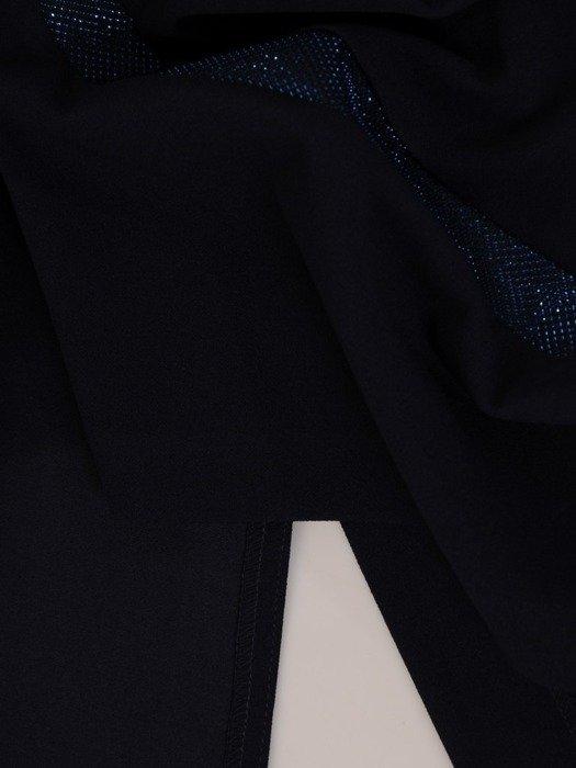Dzianinowa sukienka z geometrycznymi, błyszczącymi wstawkami 23975