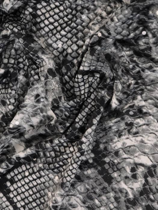 Dzianinowa sukienka z kopertowym dekoltem, kreacja w zwierzęcym wzorze 27992