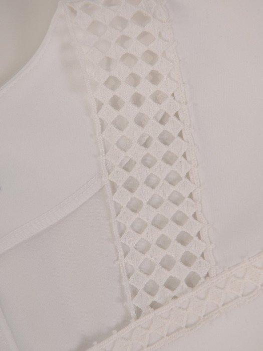 Elegancka bluzka z dekoracyjnym karczkiem 19711.