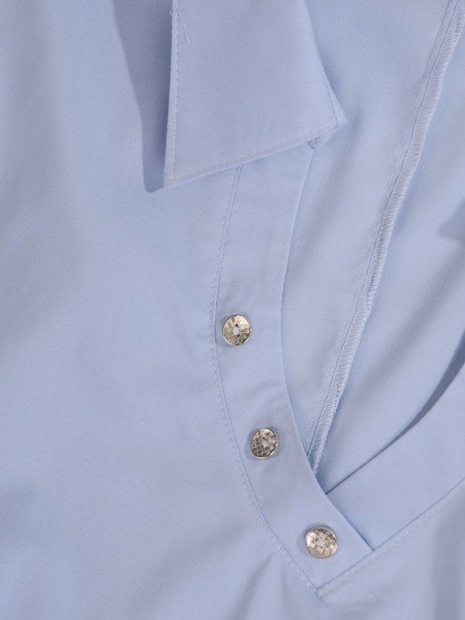 Elegancka bluzka z ozdobnymi guzikami 24680