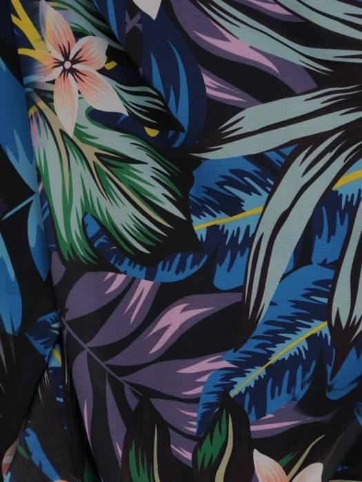 Elegancka sukienka maxi, kreacja z ozdobnymi rozcięciami na rękawach 30017