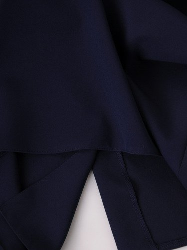 Elegancka sukienka ozdobiona koronką Miranda I.