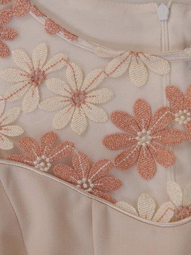 Elegancka sukienka z koronkowym karczkiem Karles X.