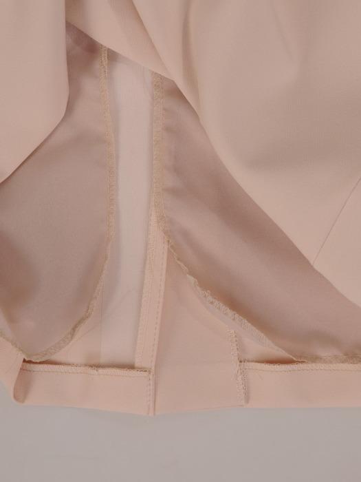 Elegancka sukienka z marszczoną baskinką, kreacja z żakardowej tkaniny 20376