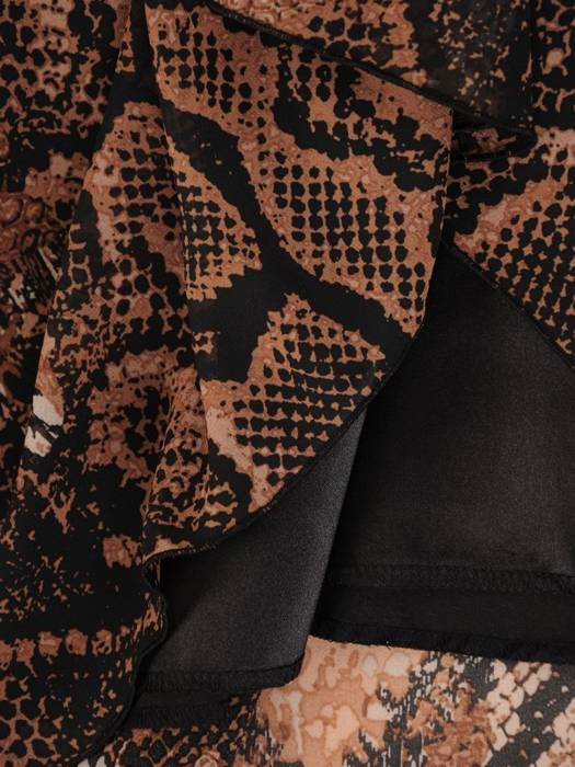 Elegancka sukienka z modnym zwierzęcym wzorem i dodatkiem ekologicznej skóry 27892