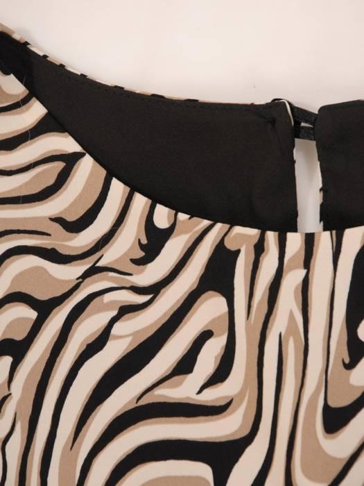 Elegancka sukienka z paskiem i gumkami na rękawach 27882