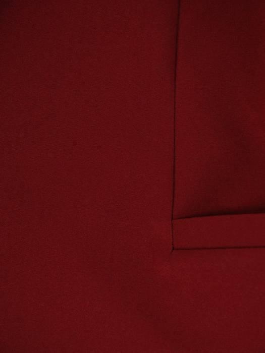 Elegancki bordowy żakiet, zapinany na guziki 27248