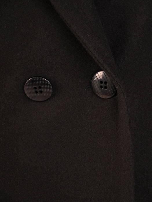 Flauszowy płaszcz damski z kołnierzem i kieszeniami 30757