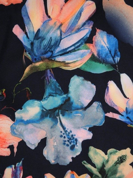Granatowa sukienka w kwiaty, trapezowa kreacja z tkaniny 24933