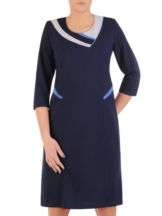 Granatowa sukienka z dzianiny, kreacja z ozdobnym dekoltem 28547