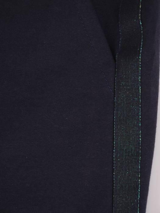 Granatowy komplet dresowy z ozdobnymi tasiemkami 28689
