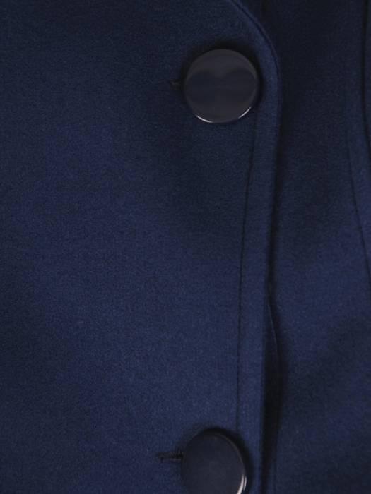 Granatowy płaszcz damski z ozdobnym wiązaniem 27094