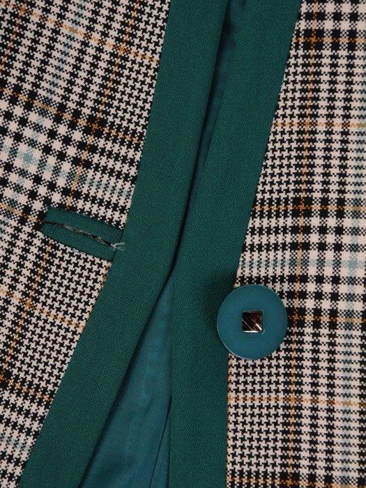 Klasyczna garsonka z kraciastym żakietem i zieloną spódnicą 25867
