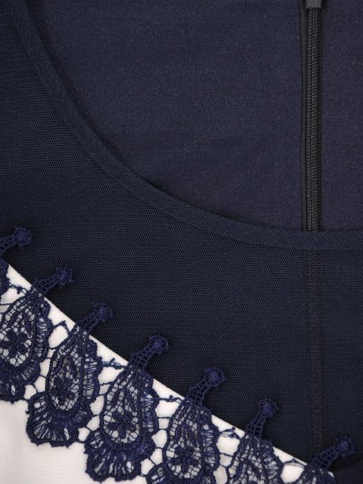 Kontrastowa sukienka z kwiatową aplikacją, oryginalna kreacja na jesień 22968