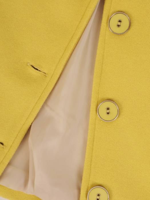 Krótki, musztardowy płaszcz damski 28738