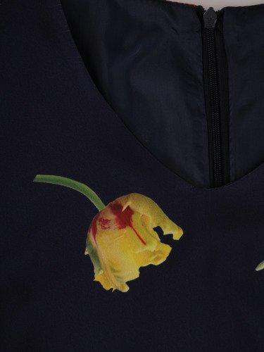 Luźna sukienka z tiulowymi rękawami 15259, zwiewna kreacja w kwiaty.