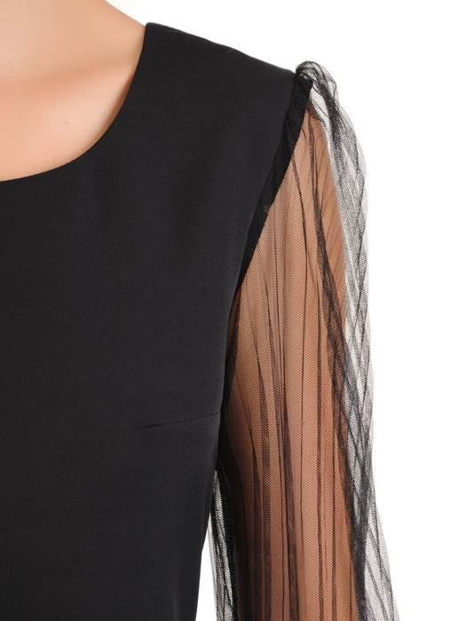 Mała czarna, sukienka z ozdobnymi rękawami 30197