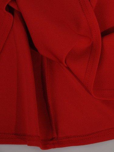 Modna sukienka w czerwonym kolorze 16332, kreacja z ozdobnymi rękawami.