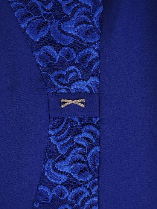 Modna sukienka z wyszczuplającą, koronkową wstawką 17363.