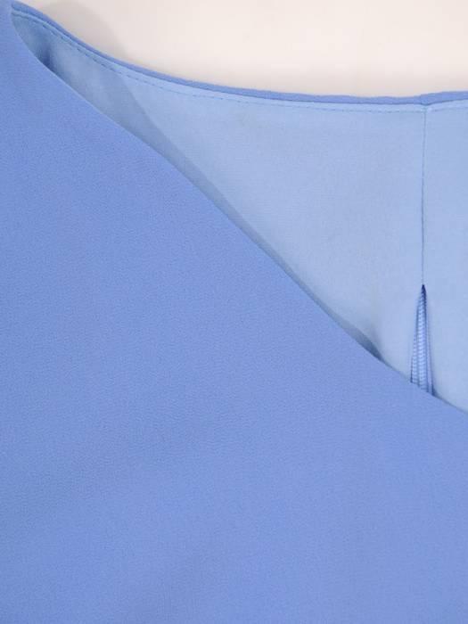 Niebieska sukienka z szyfonu, kreacja z ozdobnym plisowaniem 30031