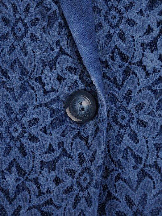Niebieski żakiet wykończony koronką 17271.