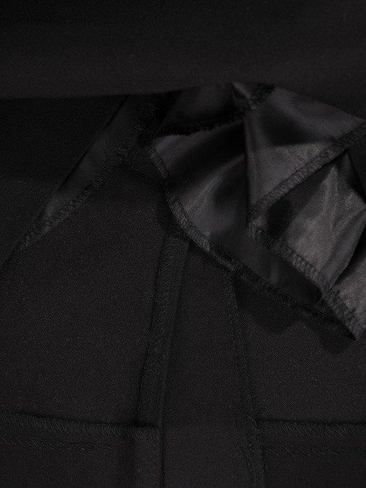 Nowoczesna spódnica z wyszczuplającymi przeszyciami 19466
