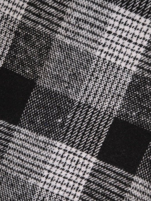 Ołówkowa spódnica w modną kratę 24095