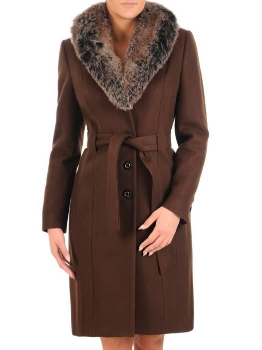 Płaszcz brązowy z futrzaną etolą i wiązanym paskiem 27788