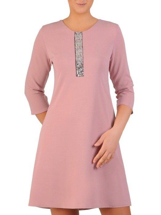 Pudrowa sukienka z cekinową aplikacją przy dekolcie 23889