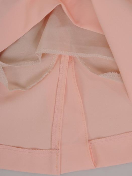 Pudrowa sukienka z tiulowymi wstawkami na rękawach 21011