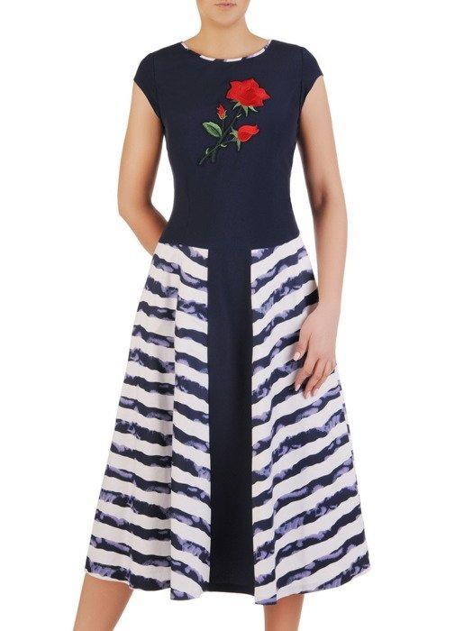 Rozkloszowana sukienka w modne, marynarskie pasy 19838