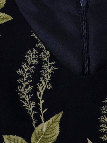 Rozkloszowana sukienka z szyfonu Florena I, zwiewna kreacja w paskiem.