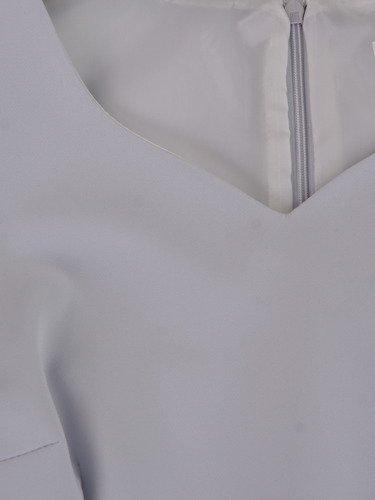 Sukienka damska 14879, kreacja z koronkowymi rękawami.
